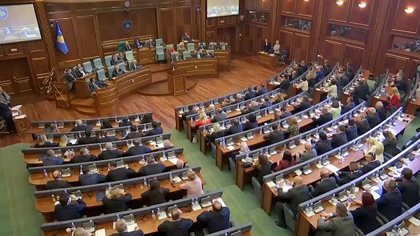 Kosovo: Parlament setzt Regierung ab