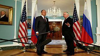 ترامب يدعو موسكو إلى احتواء نظام الأسد