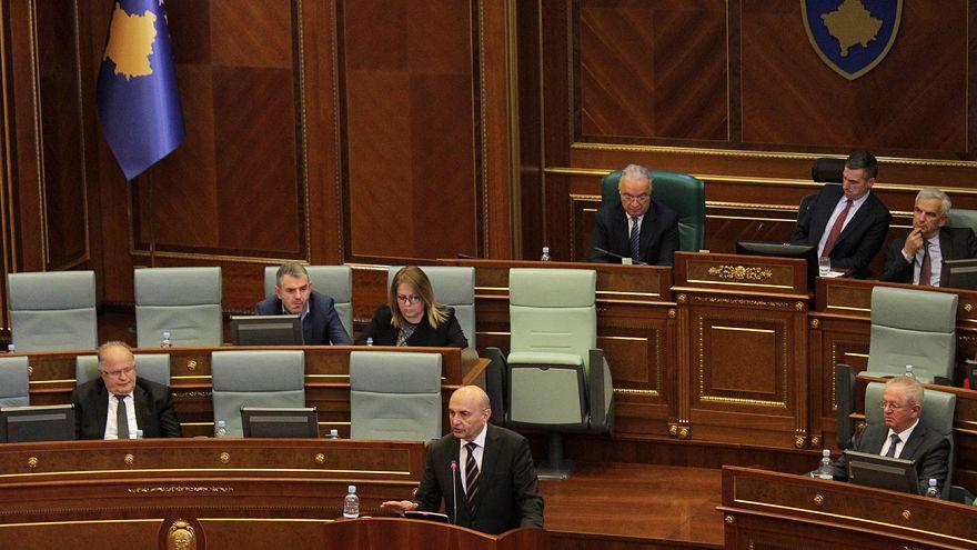 Kosova'da hükumet düştü; 45 gün içinde sandığa gidilecek