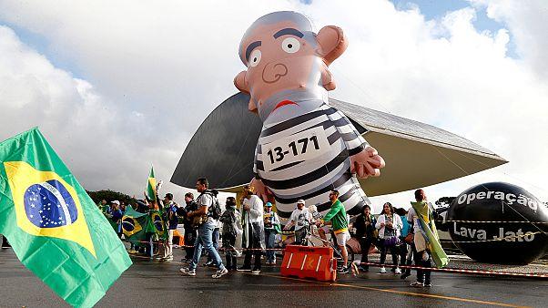 Eski Brezilya Devlet Başkanı Lula da Silva rüşvet aldığı gerekçesiyle ifade verdi