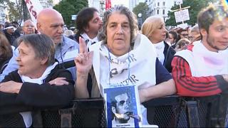 Pañuelos blancos contra la impunidad en Argentina
