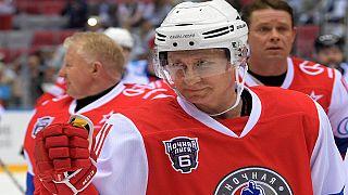 Putin triunfa en un amistoso de hockey sobre hielo