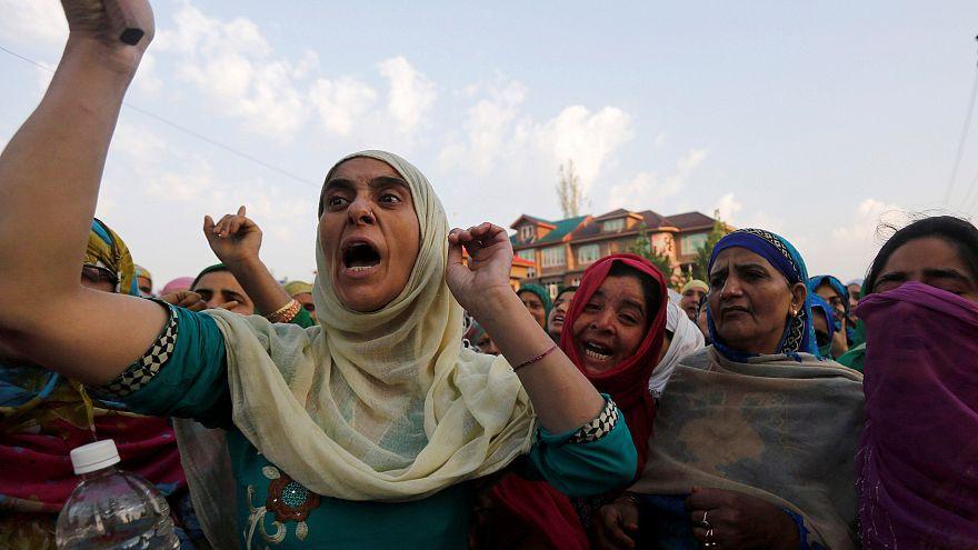 """المحكمة العليا في الهند تنظر في منع """"الطلاق البائن"""""""