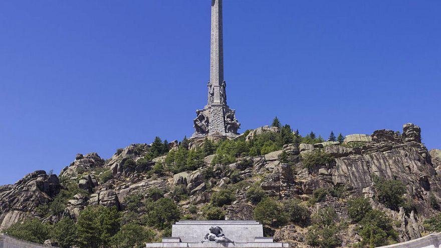 El Congreso español aprueba sacar a Franco del Valle de los Caídos