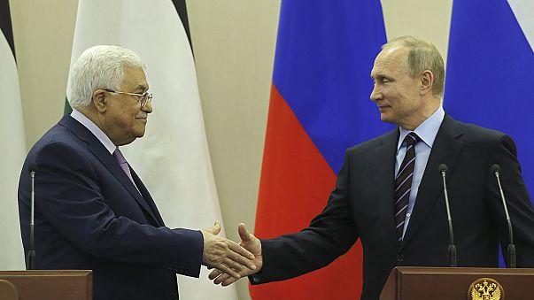Putin e Abbas discutem processo de paz
