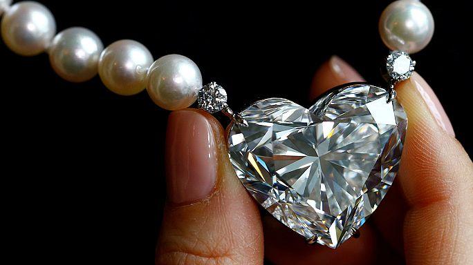 'La Légende' heart-shaped diamond up for auction