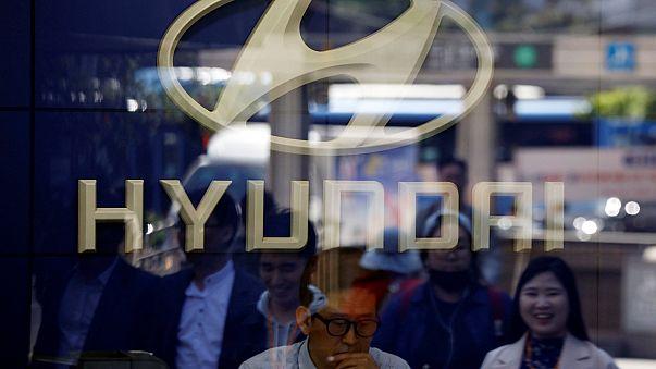 Dél-Korea: járművei visszahívására kötelezték a Hyndait és a Kiát