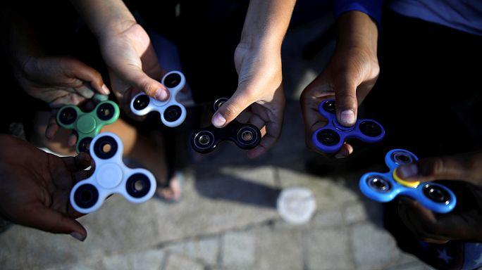 Hand spinner, le phénomène toupie débarque en France
