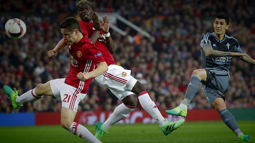 Manchester United hold on to reach Europa League final