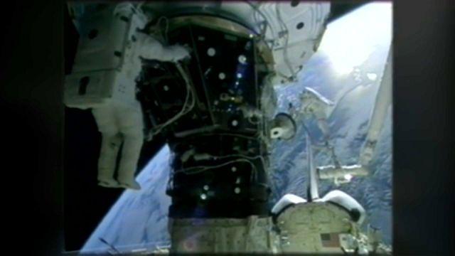 رواد في مهمة لسبع ساعات خارج محطة الفضاء الدولية