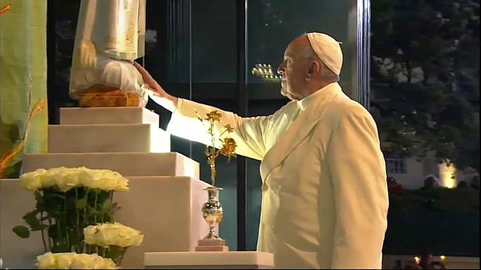 Francesco a Fatima, fra 600.000 pellegrini