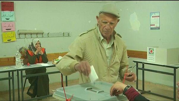 آزمون محمود عباس در انتخابات محلی کرانه باختری