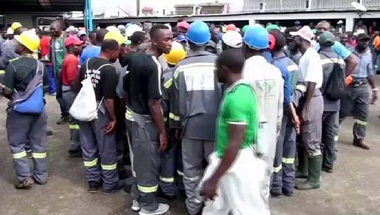Striking dockers block main Douala port in Cameroon [no comment]