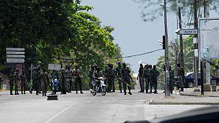 Côte d'Ivoire : malgré les menaces, des mutins bloquent les accès à Bouaké, tirent en l'air
