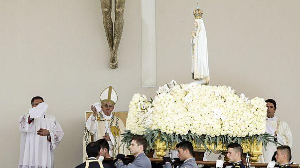 El papa canoniza a los pastorcillos de Fátima