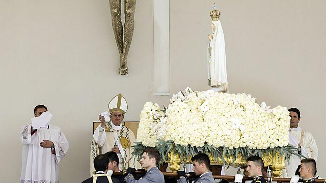 Fátima: Papa canoniza Jacinta e Francisco