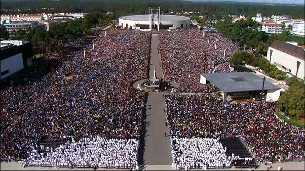 البابا يزور البرتغال ويبارك مزار فاطمة