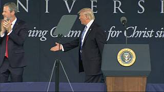 Donald Trump promet de vite recruter un nouveau patron du FBI