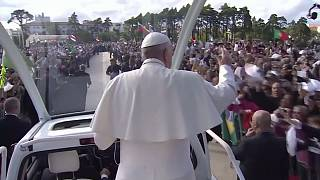 Pope Francis cheered in Fatima