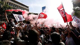 Thousands of Tunisians march against corruption