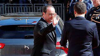 Экс-президент Франции Олланд приветствовал своих сторонников