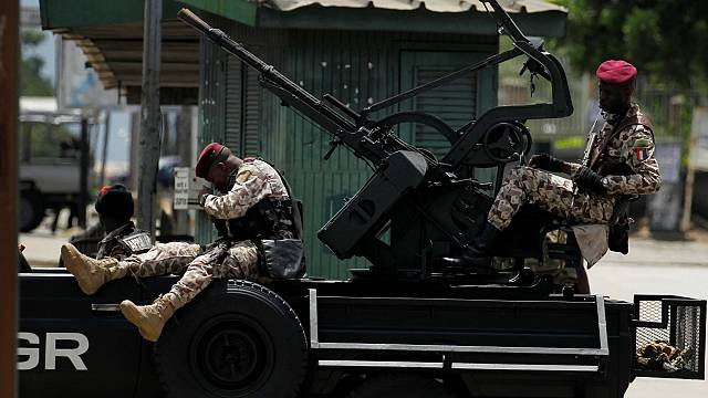 Ivory Coast mutiny: Government forces launch operation to quell soldiers' rebellion