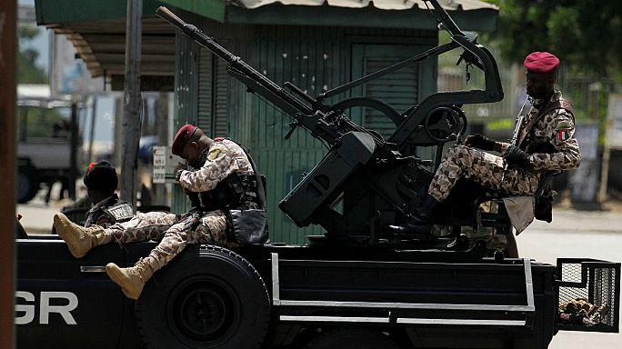 Акцию протеста против бунта военных в Кот-д'Ивуаре обстреляли