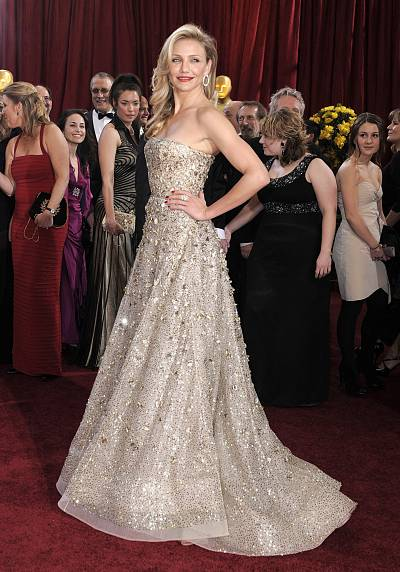 There\'s something about Cameron Diaz ... in Oscar de la Renta in 2010.
