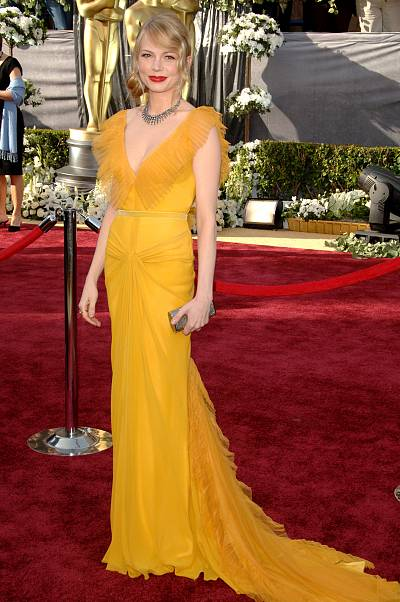 Michelle Williams was quite the golden girl in her saffron Vera Wang gown in 2006.