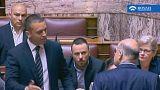Ελλάδα: Χειροδικία Κασιδιάρη σε Δένδια στη Βουλή - BINTEO