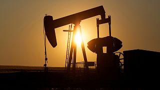 Росія та Саудівська Аравія обмежуватимуть видобуток нафти