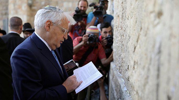 A Siratófalhoz látogatott Amerika új izraeli nagykövete