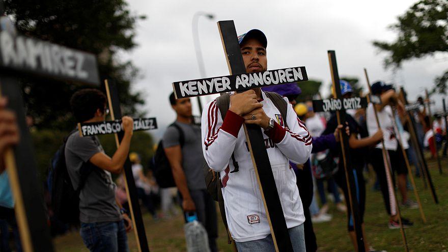 Венесуэла: два человека погибли во время столкновений демонстрантов с полицией
