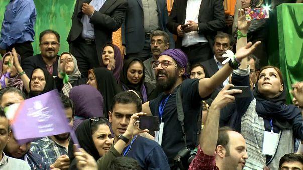 Présidentielle en Iran : les jeunes plus enclins à voter Hassan Rohani