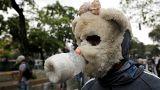 Cúbranse: la imaginación de los opositores venezolanos para protegerse en las protestas