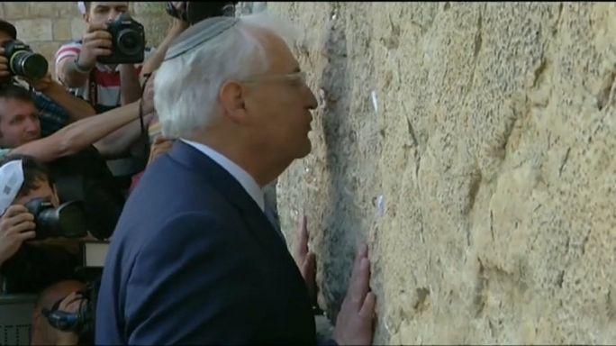 Israël : l'ambassadeur controversé des Etats-Unis prend ses fonctions