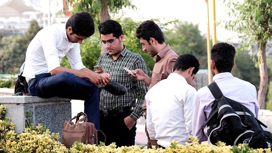 Молодые избиратели - важный электорат Ирана