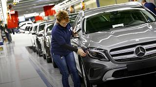 Lassan, de stabilan bővül az eurózóna gazdasága