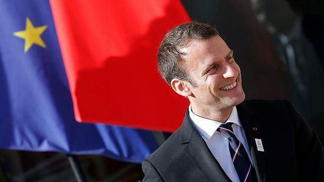 Spannung in Frankreich: Macron feilt an neuer Regierung