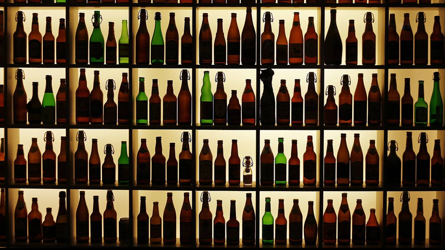Which EU state is the world's heaviest-drinking country