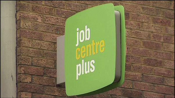 A munkanélküliség és a bérek is csökkentek az Egyesült Királyságban