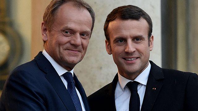 Macron e presidente do Conselho Europeu juntos em Paris