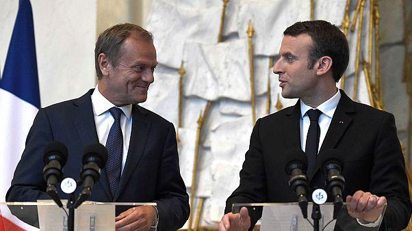 """Tusk all'Eliseo: """"Macron è una speranza per l'Europa"""""""