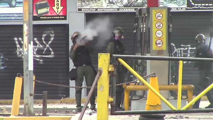 Venezuela'daki şiddet olaylarında can kaybı artıyor