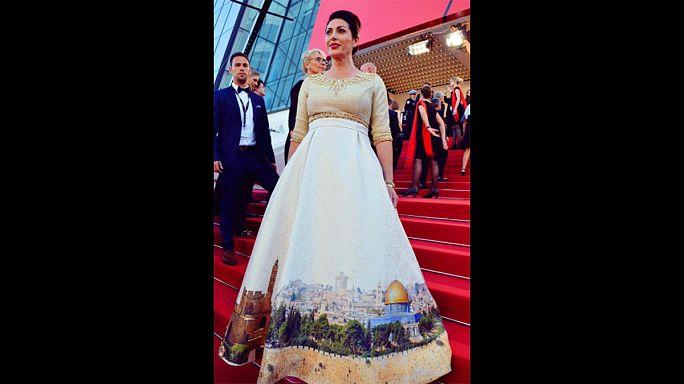 """فستان وزيرة الثقافة الإسرائيلية """"بصورة القدس"""" يثير الجدل في مهرجان كان"""