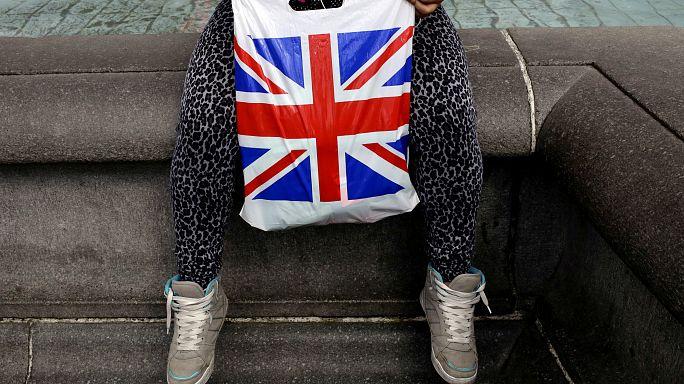 Briten im Kaufrausch - bevor alles noch viel teurer wird?