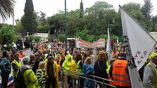 Ελλάδα: Συγκέντρωση συμβασιούχων μπροστά στο υπουργείο Διοικητικής Ανασυγκρότησης