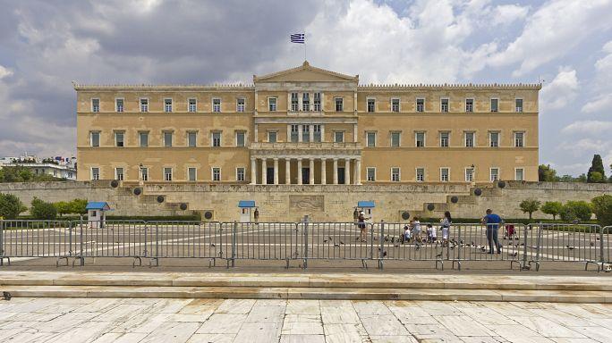 Parlamento helénico vota novo pacote de austeridade