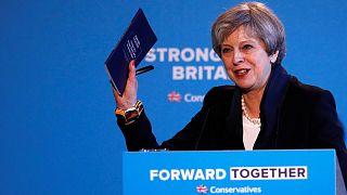 İngiltere Başbakanı May seçim vaatlerini açıkladı