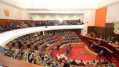 Côte d'Ivoire : des parlementaires réclament une enquête sur les mutineries